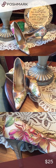 "🍂🍁FALL Fabric Heels🍂🍁 Beautiful heels for your fall fashion design!  3"" Wood grained heels.  Barely worn! Cabrizi Shoes Heels"