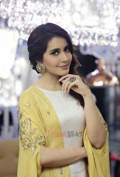 Gorgeous Raashi Khanna in Latest 2019 Black Dress Stills Beautiful Girl Indian, Most Beautiful Indian Actress, Gorgeous Women, Gorgeous Lady, Simply Beautiful, South Actress, South Indian Actress, Beautiful Bollywood Actress, Beautiful Actresses