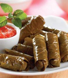 Cómo hacer hojas de parra rellenas Lebanese Recipes, Turkish Recipes, Cooking Time, Cooking Recipes, Healthy Recipes, Comida Israeli, Comida Armenia, Low Cal, Tapas