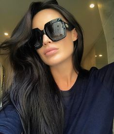 Sunglasses inspiration & shopping guide where to buy these trendy styles! #sunglasses #shades #gucci #chloe #prada #summer #spring #whattowear #springstyle #springfashion #summerfashion #fashionista #stylish