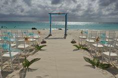 Beach wedding at Divi Aruba by Aruba Weddings For You.