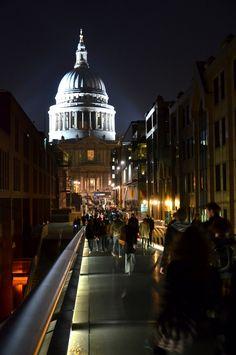 St. Paul Cathedral vs. Millenium Bridge at night, London