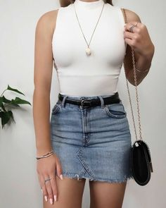 41 Lovely Denim Skirt Outfits Ideas To Makes You Look Stunning - Cute Outfits Mode Outfits, Fashion Outfits, Womens Fashion, Fashion Trends, Cute Summer Outfits, Stylish Outfits, Mode Adidas, Urban Look, Denim Skirt Outfits