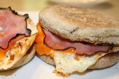 Great for big groups at the cabin - english muffin with egg, cheese, and ham. Easy Recipes, Easy Meals, Big Group, Best Breakfast, I Love Food, Cabins, Ham, Muffin, Brunch