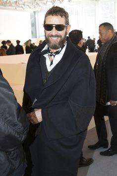 Stefano Pilati @  Louis Vuitton Fall 2014 | He commands the statement coat look… Grown Man, Oversized Coat, Put On, Mens Suits, Backstage, Dapper, Men's Shoes, Suit Jacket, Vogue
