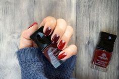 Oxblood - Nail - Nailart - Nagellack Oxblood Nails, Nail Tutorials, Berry, Nailart, Nail Polish, Make Up, Dark Red Nails, Nail Polishes, Bury