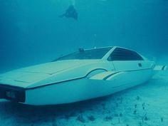 Elon Musks James Bond submarine car