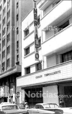 Cine Rialto, ubicado frente a la plaza Bolívar, entre las esquinas de Monjas a Principal. Foto: Archivo Fotográfico/Grupo Últimas Noticias