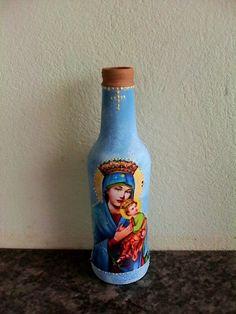 Garrafa N.Senhora do Perpétuo do Socorro Diy Bottle, Home Decor, Recycled Bottles, Wine Decanter, Bottle Crafts, Decoupage, Plastering, Decorated Bottles, Butterfly