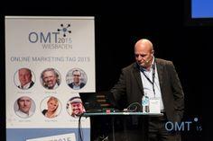 Thomas Hutter bei seinem Vortrag zum Thema Facebook Marketing beim OMT 2015
