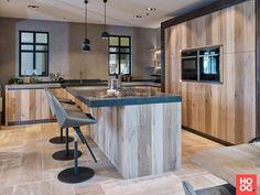 Tieleman Keukens - Exclusief Norfolk keuken - Hoog ■ Exclusieve woon- en tuin inspiratie. Decor, Furniture, Interior Inspiration, Home Kitchens, Home, Kitchen Design, Feature Wall, Home And Garden, Home Decor
