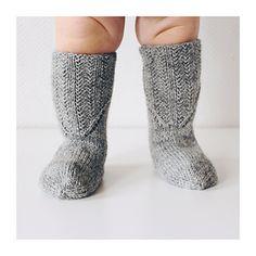 Ravelry: Väinöt pattern by Niina Laitinen Knitting Socks, Baby Knitting, Cozy Christmas, Kids Playing, Ravelry, Knit Crochet, Pattern, Crocheting, Design