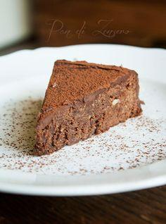 Reine de Saba - La base  Chocolat, poudre d'amande, blc en neige...  => Add a Glass  of milk :)