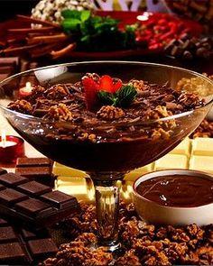 Estrogonofe de chocolate e nozes com cachaça (Foto: Fred Alcântara/Divulgação)