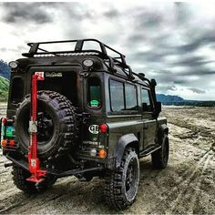 Land Rover Defender 90 Td4 Sw Se exploring his new way without destiny. Lobezno.