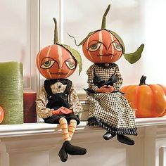 Halloween  - Gretzy & Garfunkel Pumpkin Figure