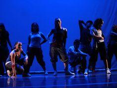 Coreografia une dança urbana com dança de rua. Confira.