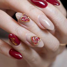 Short acrylic nails can shine equally as bright as long acrylic nails, we list 110 short acrylic nail art design ideas: short stilleto nails, short squoval nails, short matte nails and etc. Diy Acrylic Nails, Summer Acrylic Nails, Acrylic Nail Designs, Valentine's Day Nail Designs, Pretty Nail Designs, Nails Design, Red Nail Art, Pink Nails, Winter Nail Art