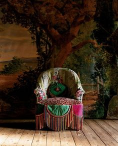 cool backdrop and chair!!
