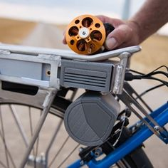 ConoDrive rear-rack bicycle e-drive turns pedaling into pedelec-ing