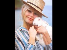 Classic Hollywood Celebrities Pictures In The Easter ( Happy Easter )