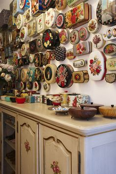 Tins nailed to wall ! Die Designerin Susanne Bisovsky by Michael Alschner, via Behance Vintage Tins, Vintage Kitchen, Decor Vintage, Vintage Luggage, Plywood Furniture, Deco Originale, Deco Boheme, Granny Chic, Displaying Collections