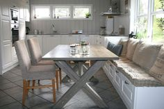 bodbyn - seating under window Bodbyn, Dining Room, Dining Table, Outdoor Furniture, Outdoor Decor, Built Ins, Interior Inspiration, Kitchen Remodel, Home Improvement
