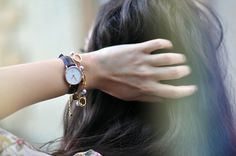 Classy York by Daniel Wellington – Very elegant and chic this women's Daniel Wellington watch of of diameter. Style Blog, Daniel Wellington, Minimal Jewelry, Elegant Watches, Cheap Bags, Vintage Cameras, Diamond Pendant Necklace, Fashion Pictures, Accessories
