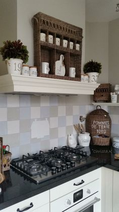 Home Decoration Ideas Country Kitchen, New Kitchen, Kitchen Dining, Kitchen Decor, Kitchen Cabinets, Cozinha Shabby Chic, Rivera Maison, Kitchen Baskets, Kitchen Collection