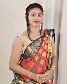 Marathi Saree, Marathi Bride, Marathi Nath, Beautiful Girl Indian, Beautiful Indian Actress, Beautiful Women, Beauty Full Girl, Beauty Women, Women's Beauty