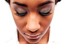 Edgy, bold wedding makeup inspiration from a classy meets edgy in this modern day-after wedding portrait session in Washington DC. Images from Terri Baskin Photography.