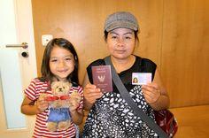 Sornsri hat endlich ihre Ausländerkennkarte darauf haben wir 6 Monate lang gewartet nun hat sie Ruhe vor der Ausländerbehörde bis Januar 2018
