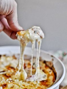 White Pizza Dip with Cream Cheese, Mozzarella, Provolone, Parmesan, Basil yum Appetizer Dips, Yummy Appetizers, Appetizer Recipes, Holiday Appetizers, Party Appetizers, Party Dips, Snack Recipes, Tailgating Recipes, Party Snacks