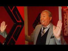 Robert Allen Design - Larry Laslo tours his PokerStars room at the Esqui...
