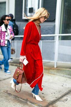 Nouvelles silhouettes de New York - Robes sur les pantalons - Fashion Style Mag