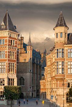 Vleeshuis - Antwerp / Belgium (by MANUEL ZALDÍVAR).