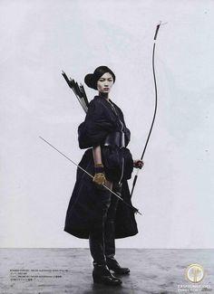 Bow and arrow. Onna-Bugeisha, samurai girl