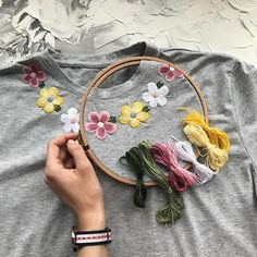 Cute chamomile hand embroidered tee, Black women's floral boho style t-shirt, personalized gift, gif – Embroidery Desing Ideas Embroidery On Clothes, Simple Embroidery, Shirt Embroidery, Embroidered Clothes, Hand Embroidery Patterns, Embroidered Flowers, Embroidery Stitches, Flower Embroidery, Japanese Embroidery