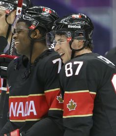 Olympic hockey - now the Olympics is getting really exciting! Canada defenseman P. Subban, left, and forward Sidney Crosby skate off the ice after beating Austria Hot Hockey Players, Nhl Players, Olympic Hockey, Ice Hockey, Montreal Canadiens, Hockey Boards, Pittsburgh Penguins Hockey, Sidney Crosby, American Sports