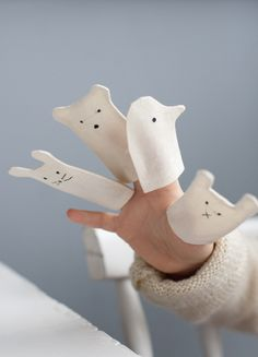 Little Finger puppets diy ♡ Projects For Kids, Diy For Kids, Sewing Projects, Crafts For Kids, Diy Projects, Craft Kids, Baby Toys, Kids Toys, Handmade Toys