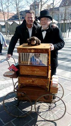 Der Drehorgelmann Walter Alge aus Meiselding sorgt in Klagenfurt immer wieder mit seiner Musik für gute Laune. Klagenfurt, Good Mood, Music