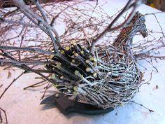 Suvikumpu: Risulintu Willow Garden, Willow Weaving, Garden Yard Ideas, Garden Ornaments, Wood Art, Diy And Crafts, Seeds, Sculpture, Branches