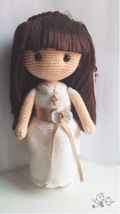 Muñeca de comunión amigurumi de ganchillo con patrón disponible. Crochet Communion doll amigurumi with pattern available. Knitted Dolls, Crochet Dolls, Chain Stitch, Slip Stitch, Crochet Stitches, Crochet Patterns, Crochet Wedding, Single Crochet Stitch, Pretty Dolls