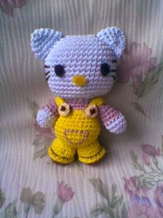 Hello Kitty - Free Amigurumi Pattern here: http://zancrochet.blogspot.co.uk/2014/07/hello-kitty.html
