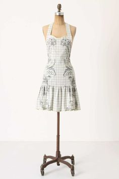 I would love this apron. Maybe it would inspire me to make dinner. from Anthropologie. Flirty Aprons, Cute Aprons, Retro Apron, Aprons Vintage, Anthropologie Apron, Homemade Aprons, Apron Tutorial, Childrens Aprons, Apron