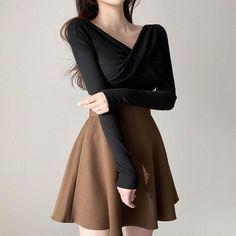 Korean Fashion Dress, Ulzzang Fashion, Kpop Fashion Outfits, Edgy Outfits, Mode Outfits, Cute Casual Outfits, Casual Wear, Cute Skirt Outfits, Pretty Outfits
