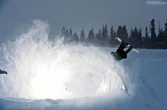 Brandon Hammid droppin like it aint no thang. Snowboarding Resorts, Snowboarding Videos, Transworld Snowboarding, Summit County, East Coast, Surfing, Pizza, America, Smile