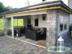 Bilderesultater for hagestue Outdoor Rooms, Outdoor Living, Outdoor Decor, Back Gardens, Outdoor Gardens, Cool Sheds, Garden Studio, Backyard Retreat, Back Patio