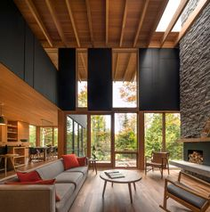Image 15 of 15 from gallery of The Bear Stand / Bohlin Grauman Miller + Bohlin Cywinski Jackson. Photograph by Bohlin Cywinski Jackson Japanese Home Design, Japanese House, Home Interior, Interior And Exterior, Interior Design, Decoration Design, Deco Design, Design Moderne, Wooden Architecture