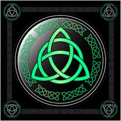 Ancient Irish symbol the Triquetra, framed with a celtic band. Celtic Symbols And Meanings, Magic Symbols, Celtic Patterns, Celtic Designs, Celtic Heart, Celtic Knot, Arte Yin Yang, Shamrock Tattoos, Celtic Warriors